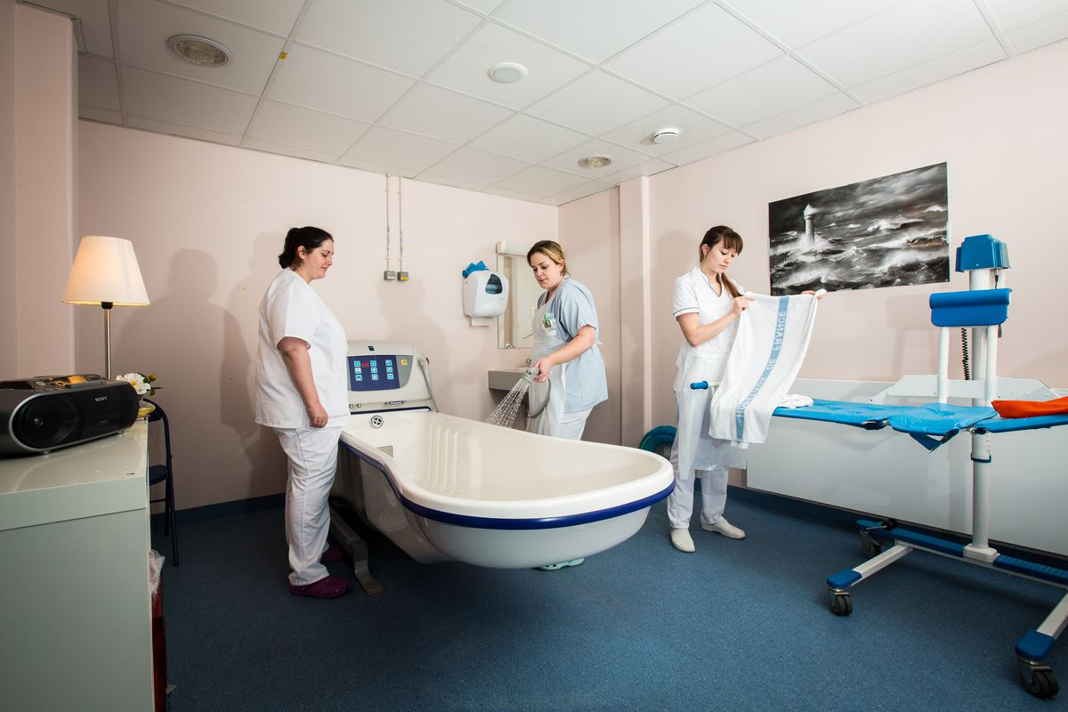 Soins palliatifs et quipe mobile centre hospitalier d - Salle de bain hopital ...